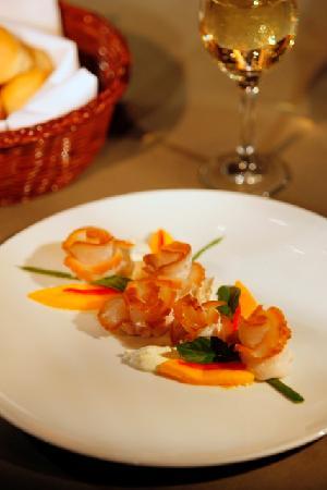 Cuisine featured at Arawakabana