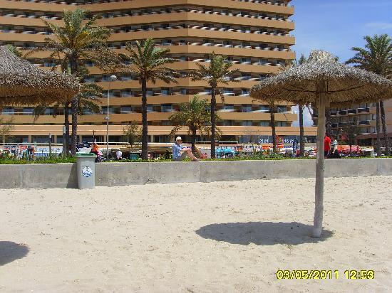 Apartamentos Pil-lari Playa: pil lari from beach