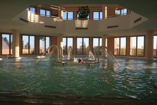 Delicious picture of alhambra thalasso hotel hammamet for Thalasso quiberon piscine
