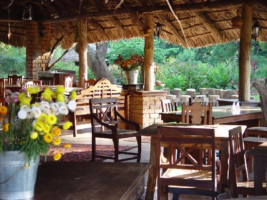 Usa River, Tanzanya: Our homestyle kitchen is waiting to welcome you to your table!