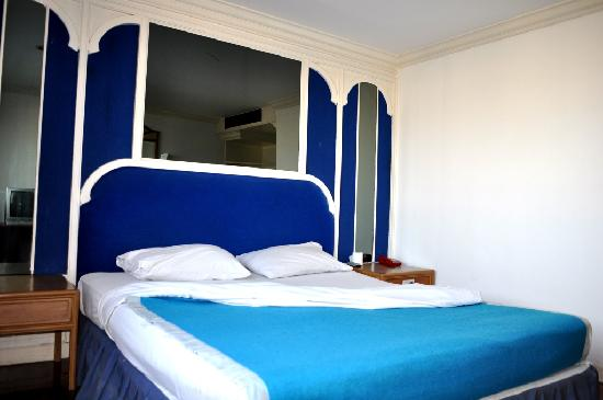 Highfive Hotel: High Five Room