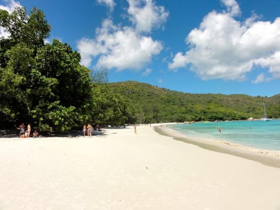 Anse Lazio , Praslin . - Picture of Anse Lazio, Praslin Island ...