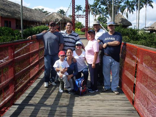 Decameron Panaca: Puente al parque PANACA