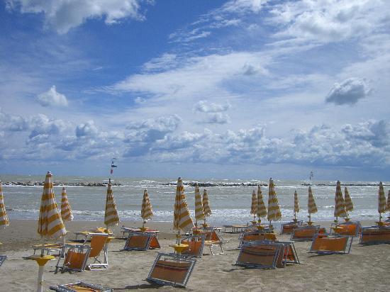 Hotel La Perla: spiaggia