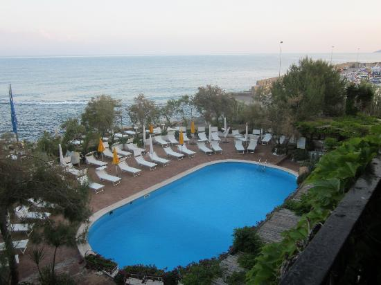 Approdo Resort: The pool