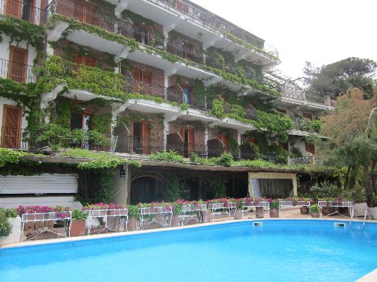 San Marco, Italie : Hotel and pool