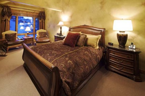 Black Diamond Lodge: Bedroom - Courtesy of Deer Valley Resort, the owner