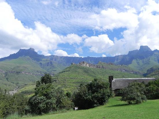 uKhahlamba-Drakensberg Park, Südafrika: View from the patio