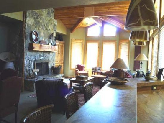 Trail's End Lodge: Living Area - Courtesy of Deer Valley Resort, the owner