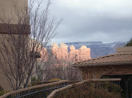 Sedona Real Inn and Suites: Views even from Parking Areas!