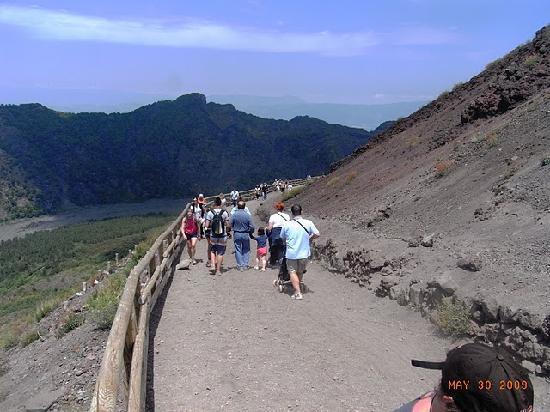 Sorrento Excursion Service: Mt Vesuvio
