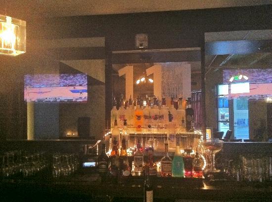 One Eleven Martini Bar: Full Bar