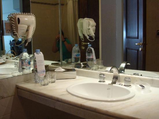 Feirs Park Hotel: banheiro