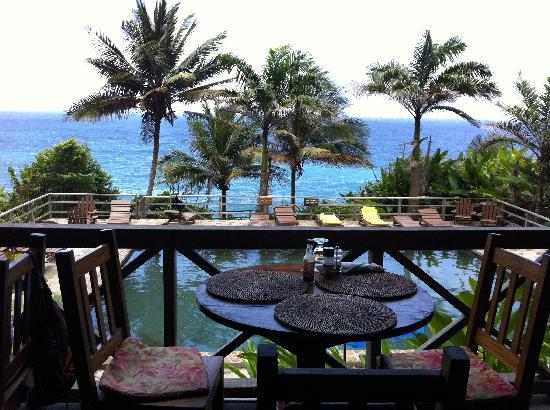 Jungle Bay, Dominica: restaurent und pool