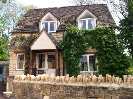"Winchcombe, UK : The beautiful ""Emma Dent"" cottage"