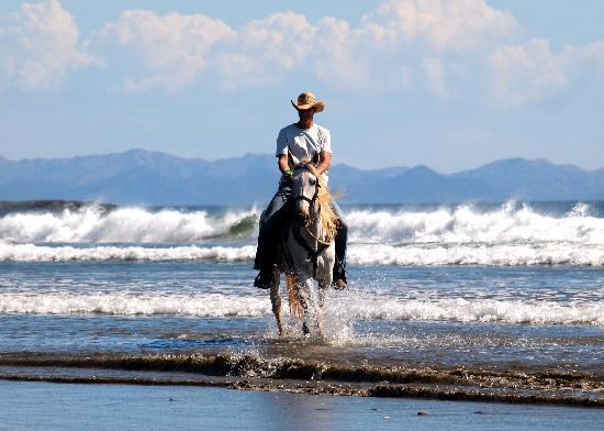Rancho Chilamate Adventures on Horseback: Horseback Riding on the Beach in Nicaragua