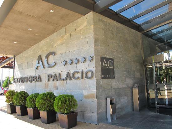 Eurostars Palace: entrance