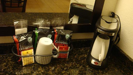 Hyatt Place Fremont/Silicon Valley: Coffee & Tea on web bar
