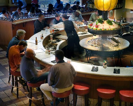 Crowne Plaza Hotel Astor-New Orleans: Bourbon House Oyster Bar