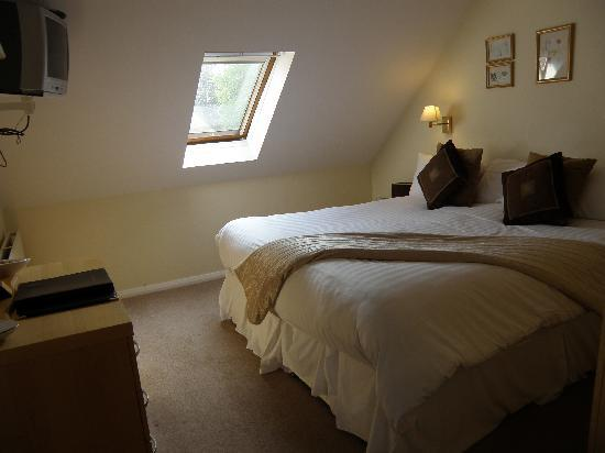 Redesdale Arms Hotel: Main bedroom of family room