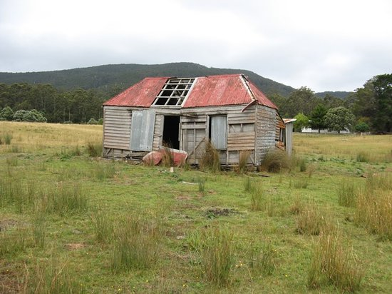 Tasmania, Australia: Wattle and Daub cottage, Bruny Island