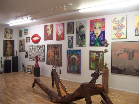 d'Arte Gallery Contemporary Art and Ink: gallery snapshot