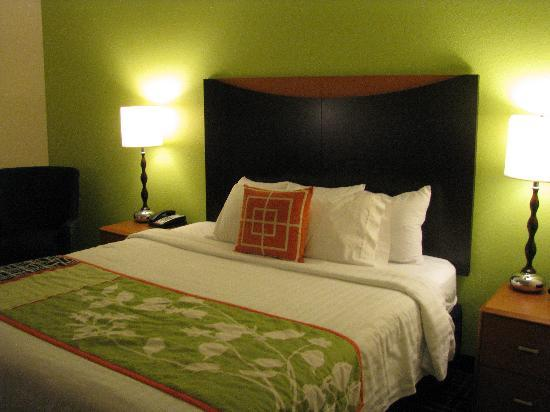 Fairfield Inn & Suites Columbia Northeast: Room 400