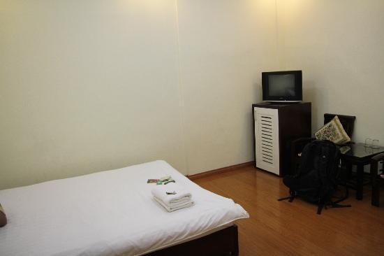 Hanoi Century Hotel: Room