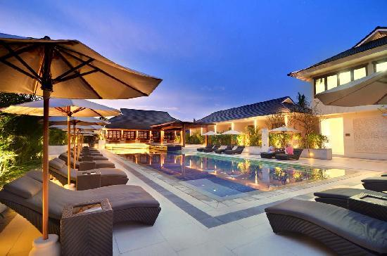 Semara Resort & Spa Seminyak: Pool Side