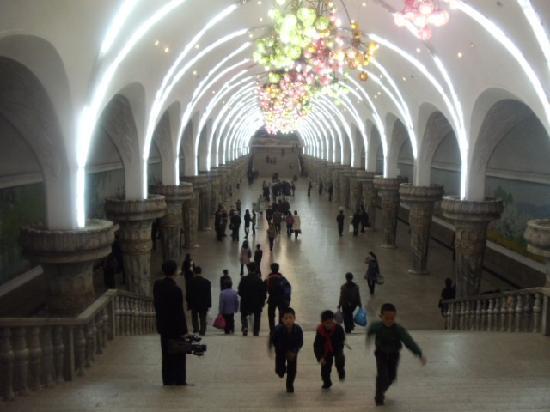 Nordkorea: Pyongyang Subway