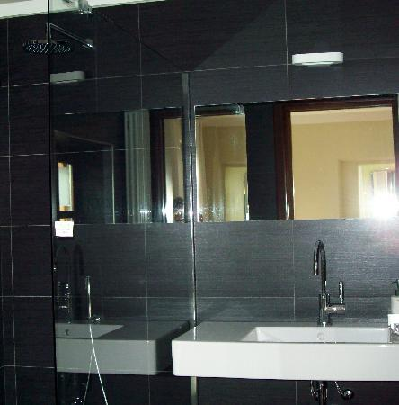 Casa di Maio: ensuite bathroom