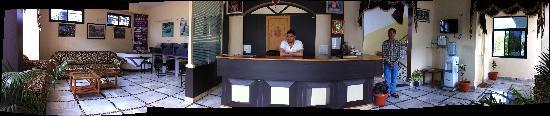 Hotel Narayana Kunj: Reception
