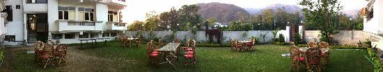 Hotel Narayana Kunj: Garden Restaurent