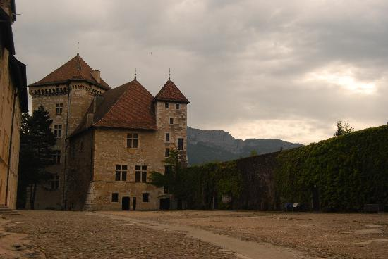 One day in annecy travel guide on tripadvisor for Jardin du chateau annecy