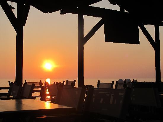 Sebastian's Family Taverna & Accommodation: Sunset from Ark Bar