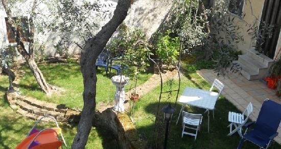 Hotel Vela Azzurra: Il giardino