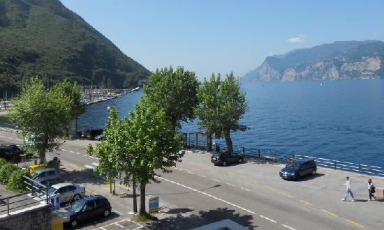 Hotel Vela Azzurra: Vista lago