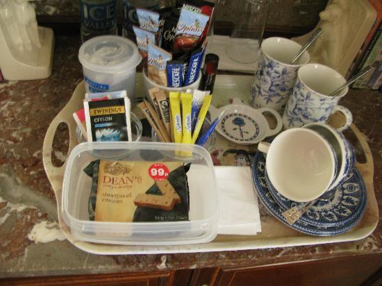 Grange Farmhouse Bed and Breakfast: Hospitality Tray