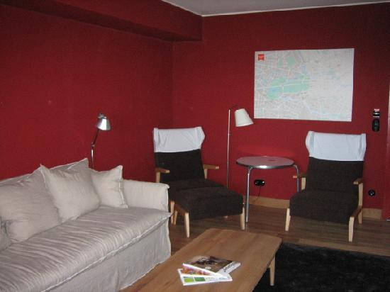 Casa Camper Berlin: Divano letto ragazzi