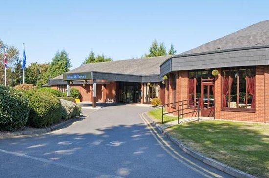 Hilton Warwick / Stratford-upon-Avon: Hotel Exterior