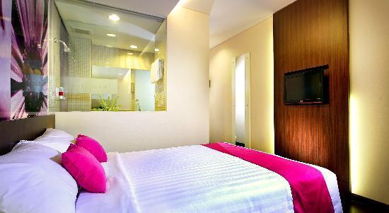 favehotel MEX Surabaya: Superior Room