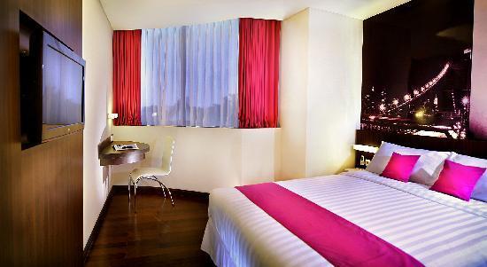 favehotel MEX Surabaya: Deluxe Room