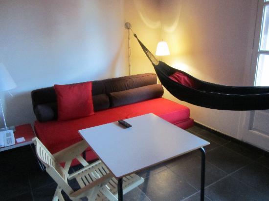 Casa Camper Hotel Barcelona: zona relax