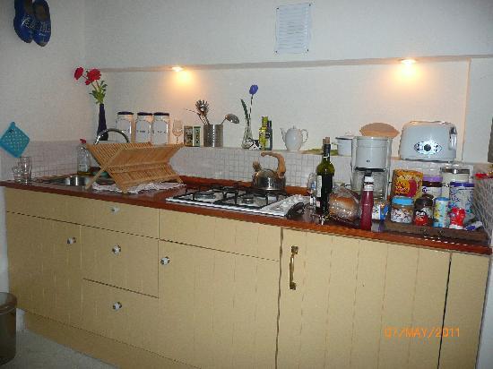 Amsterdam At Home: Little kitchen