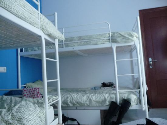 The Spot Central Hostel: Habitación de 3 literas