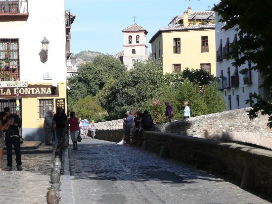 Hotel Casa Morisca: Road leading to hotel