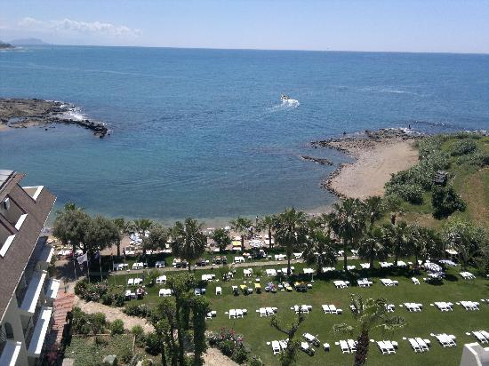 Kosdere Club Hotel: View of beach from roof bar