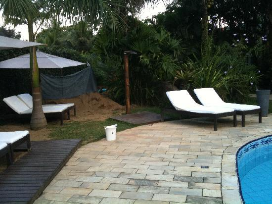 Pousada Bambu Bamboo: Pool area works