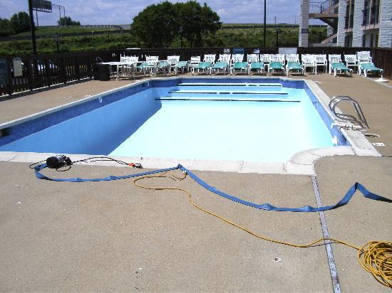 Days Inn Richmond/South: so called pool