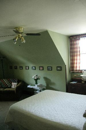 The Corner House Bed and Breakfast: another suite in main house